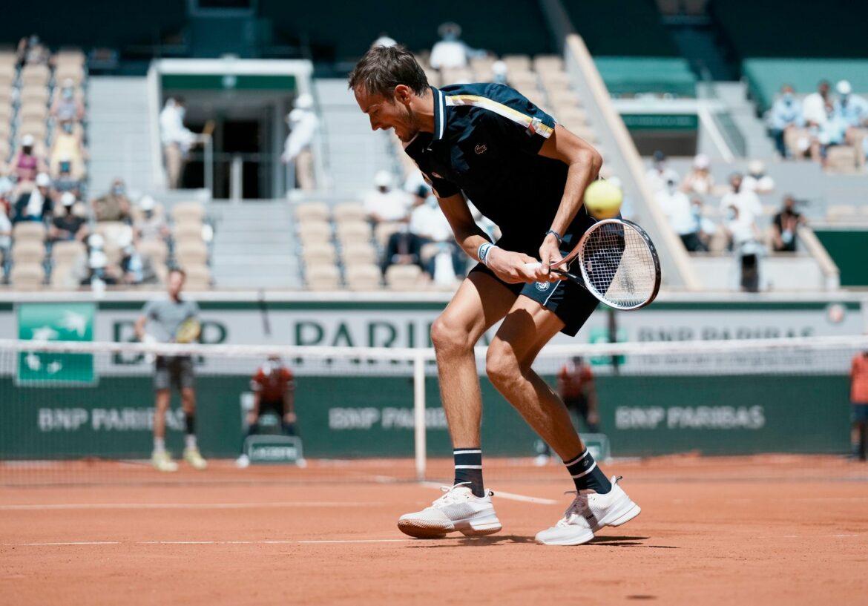 Favoritensiege bei French Open: Medwedew und Swiatek weiter