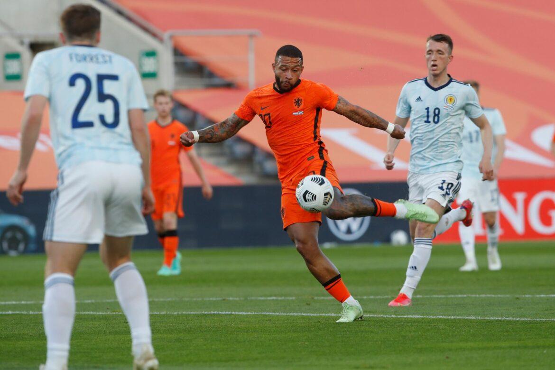 Niederlande retten Remis im Test gegen Schottland