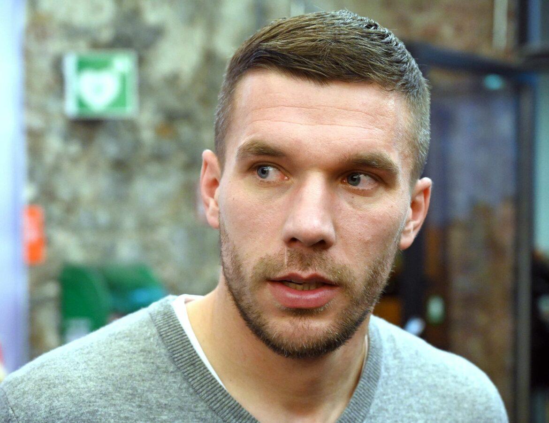 Podolski kritisiert FC-Führung:Wie in einer Dunkelkammer