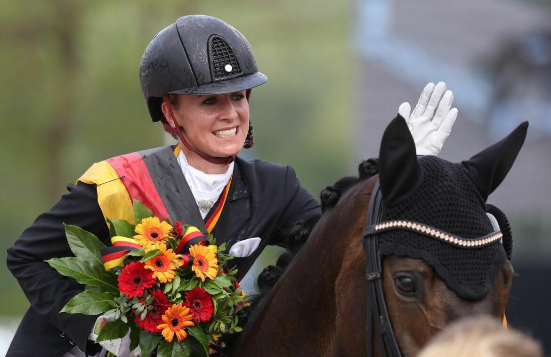 Von Bredow-Werndl und Meyer reiten zum Meistertitel