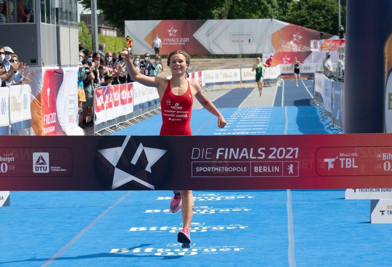 Triathletin Lisa Tertsch neue deutsche Meisterin