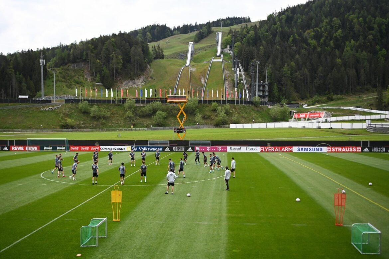 Zerstrittene DFB-Funktionäre nicht beim Team