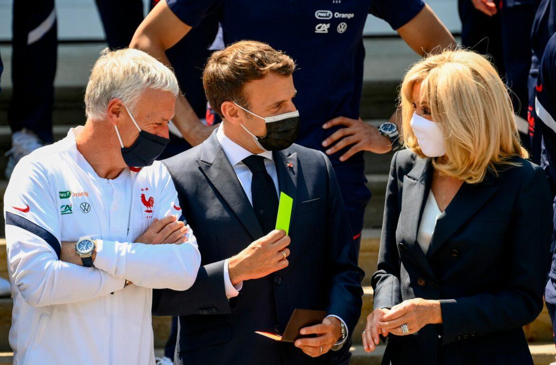 Macron besucht Frankreichs Nationalmannschaft