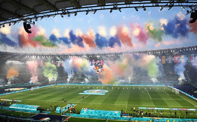 Fußball-EM mit Show vor Italien-Türkei eröffnet