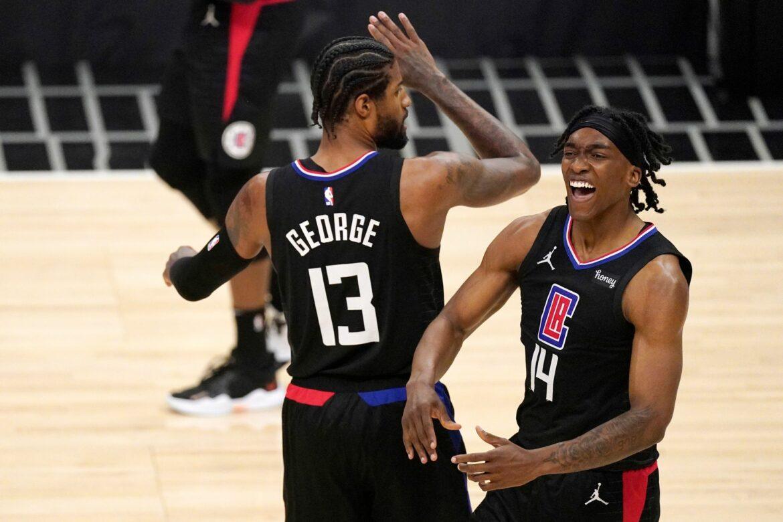 Playoffs nach Siegen von Clippers und Hawks offen