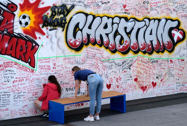 Mitten in Kopenhagen: Graffiti und Botschaften für Eriksen