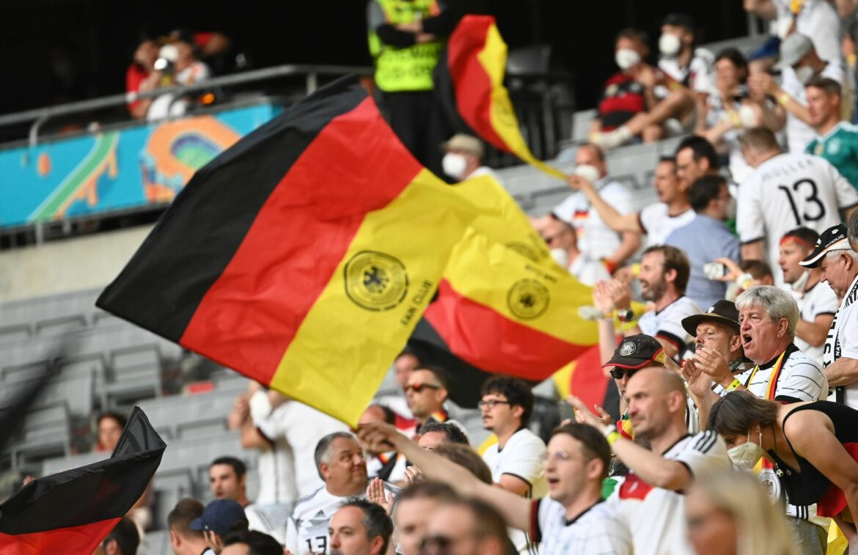 DFB intensiviert Bemühungen um Maskenpflicht