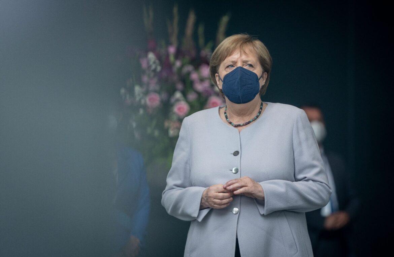 Merkel warnt vor voll besetzten EM-Stadien