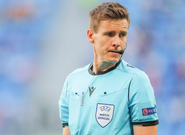 Erst Vaterfreuden, jetzt EM: Referee Siebert im Hoch