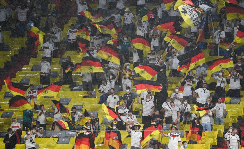 Nur 2000 deutsche Fans bei Klassiker gegen England dabei