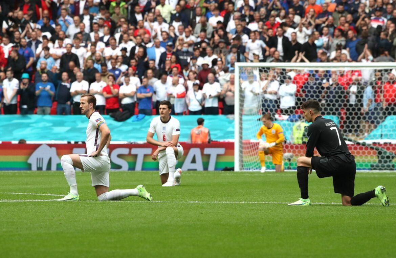 Viel Beifall in Wembley: DFB-Elf und Engländer knien