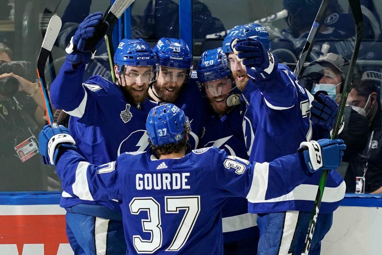 Lightning gewinnen auch zweites Spiel in Stanley-Cup-Finals