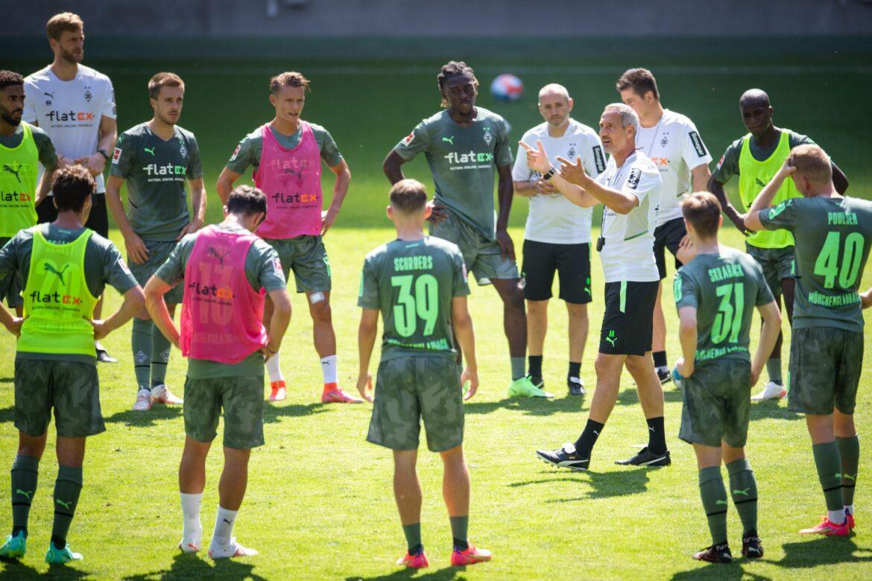 1300 Fans sehen Hütters erstes Gladbach-Training