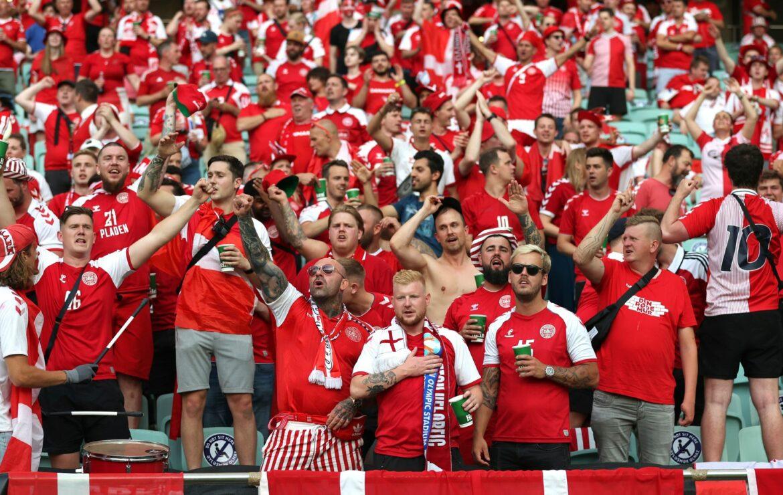 Knapp 8000 dänische Fußballfans in Wembley dabei