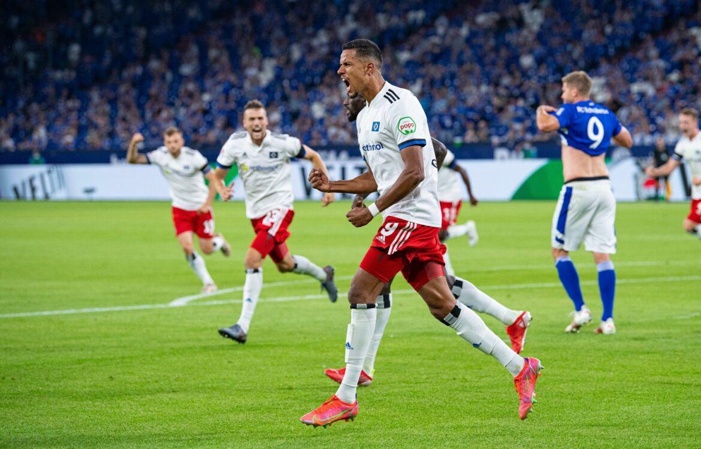 Fehlstart für Absteiger Schalke – HSV dreht Spiel