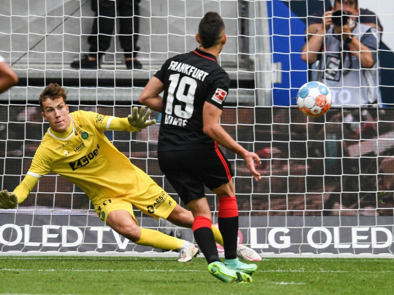 Eintracht gewinnt gegen Saint-Étienne – Borré trifft