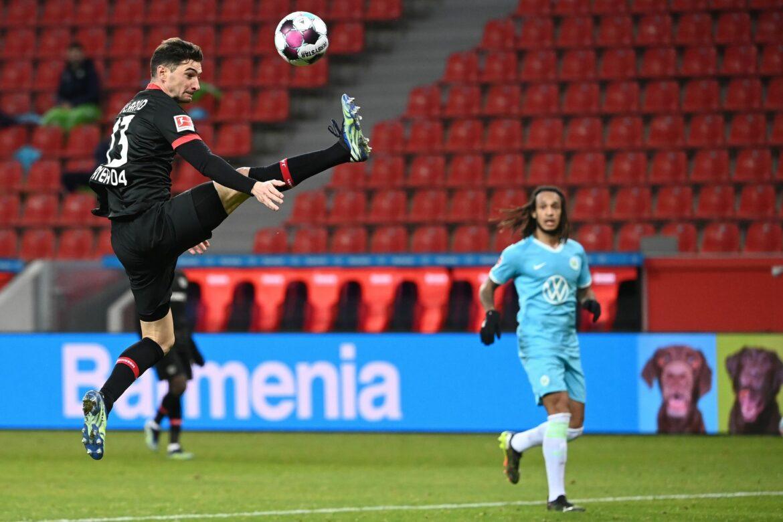 Leverkusen verlängert mit Stürmer Alario bis 2024
