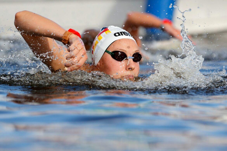 Leonie Beck schwimmt über zehn Kilometer auf Rang fünf