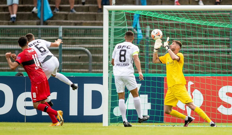 6:0 beim BFC Dynamo: Stuttgart souverän eine Runde weiter