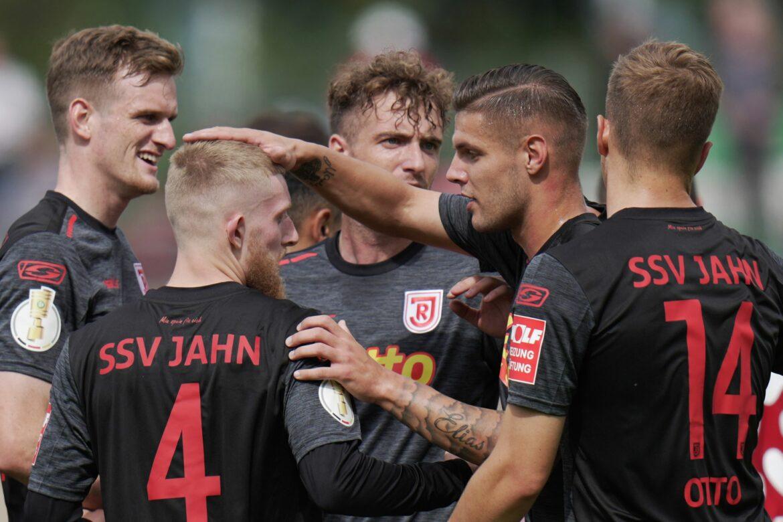 Regensburg im Pokal souverän weiter – 3:0-Sieg bei Koblenz