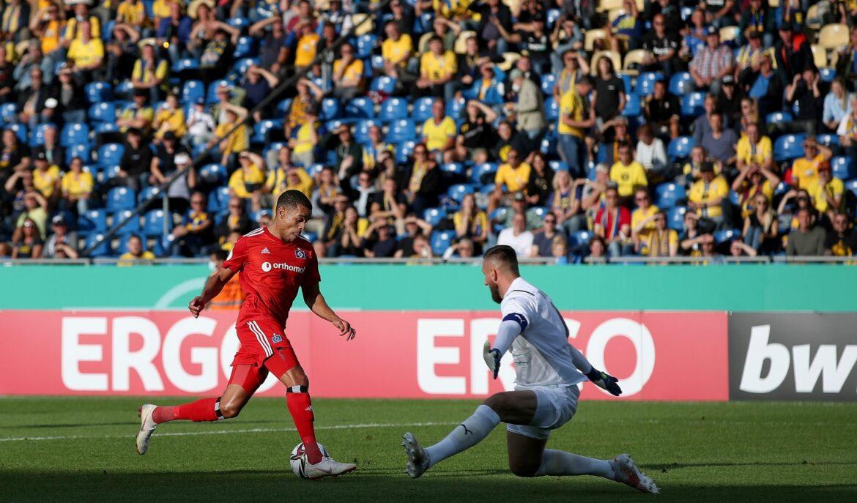 Hamburger SV übersteht Auftaktrunde: 2:1 in Braunschweig