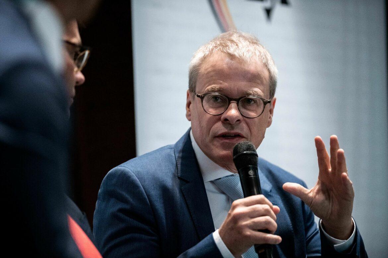 Koch und Peters auf DFB-Werbetour: «Kein Sanierungsfall»