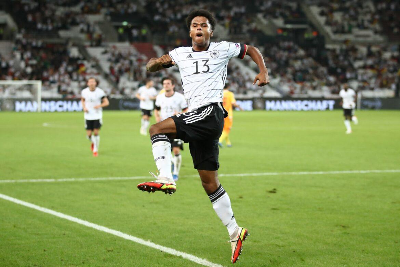 Gnabry-Fan mit Müller-Nummer: Adeyemi nach Debüt «geflasht»