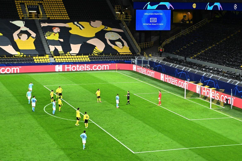 UEFAlässt im Europapokal wieder Gästefans zu