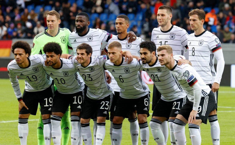 DFB-Team mit Ersatzflieger in Frankfurt gelandet
