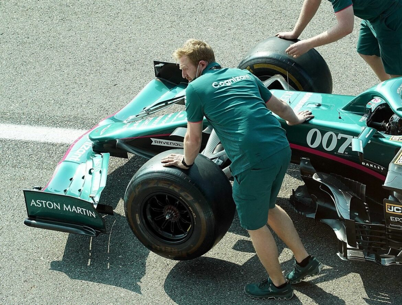 James Bond lässt grüßen: Vettels Aston Martin mit 007-Logo