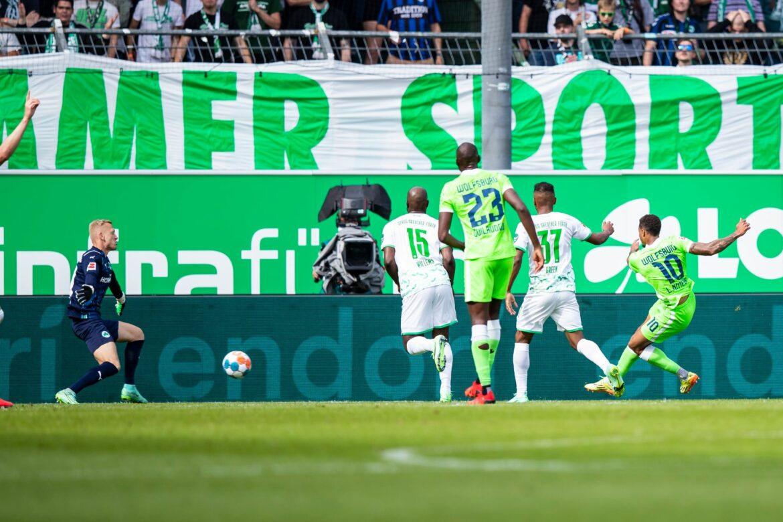 Van Bommel «sehr froh»: Wolfsburg baut Rekordstart aus