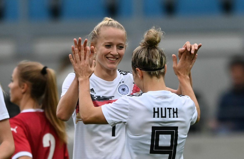 Schüller-Show gegen Serbien: Stürmerin glänzt mit vier Toren