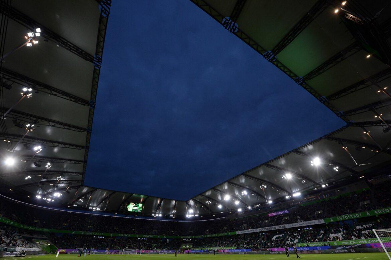 Keine Masken und Mindestabstände bei Wolfsburg-Heimspielen