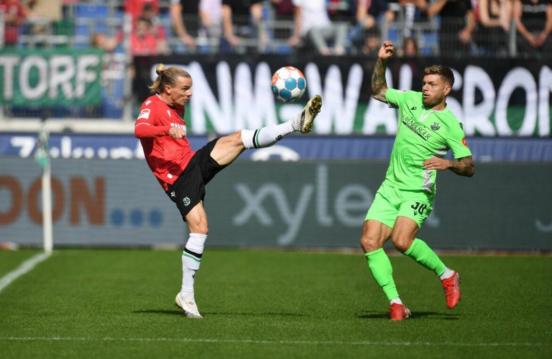 SV Sandhausen siegt nach Schwartz-Rückkehr in Hannover