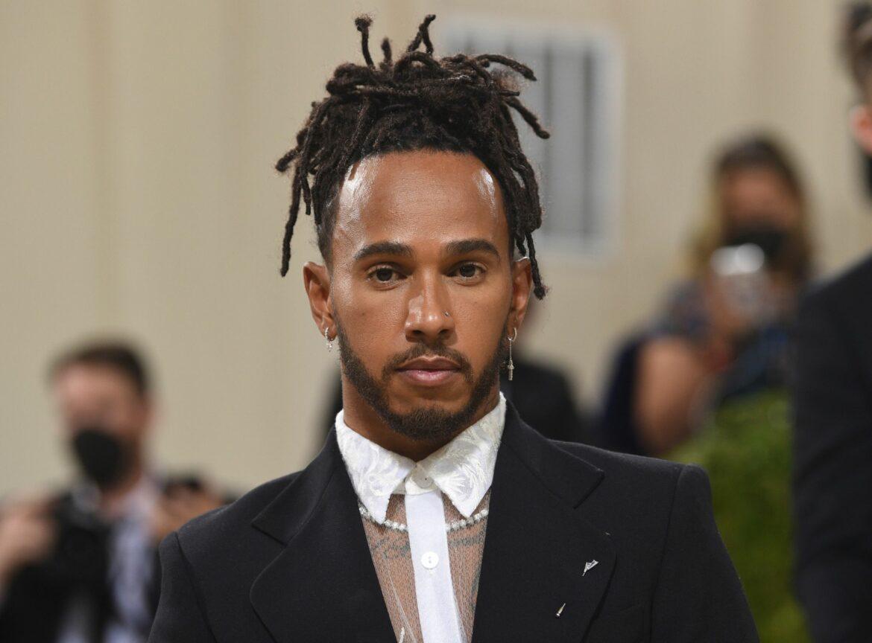 Lewis Hamilton genießt Abstecher in Modeszene