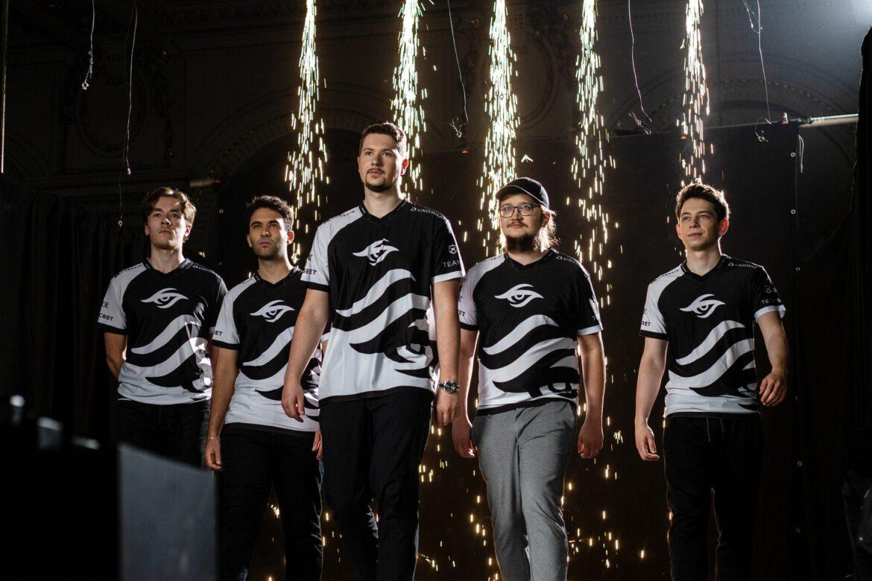 PSG.LGD und Invictus Gaming an der Spitze der TI-Gruppen
