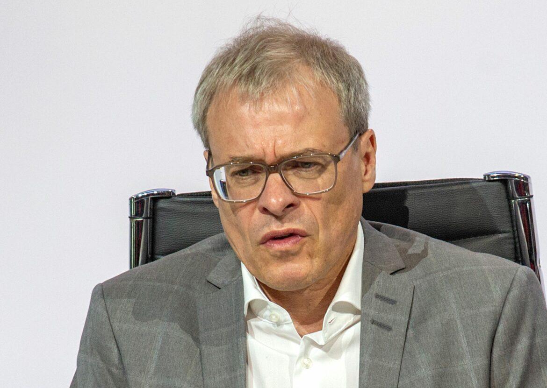 Peters tritt bei Liga zurück und will DFB-Chef werden